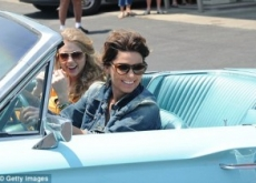 Taylor Swift & Shania Twain Play Thelma & Louise for CMT Awards