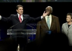 "Rick Perry's Ties to KKK-Linked & ""Demon Seeing"" Religious Leader Could Crush Campaign"