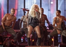 Christina Aguilera Dirty at Michael Jackson Tribute – Video