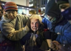 84-Yr-Old Pepper Sprayed Occupy Woman Hospitalized – Video