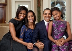 Obama Family Portrait Christmas Card Debuts