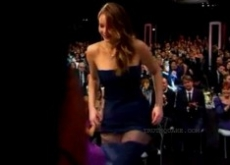 Jennifer Lawrence's Dress Rips in Half at SAG Awards – Video